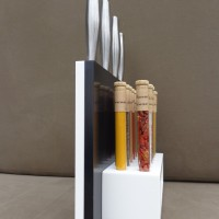 Combiné Porte-couteaux & Orgue à épices, Corian noir & blanc